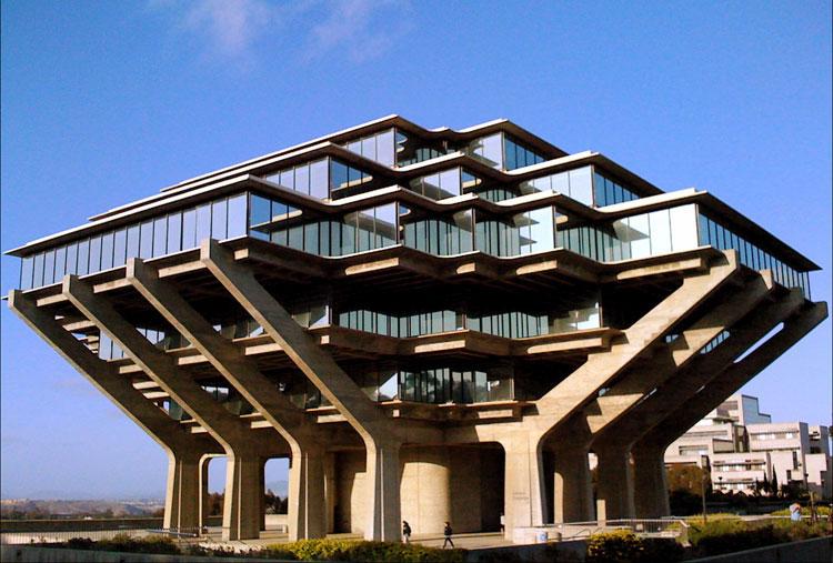 Библиотека Калифорнийского университета в Сан-Диего